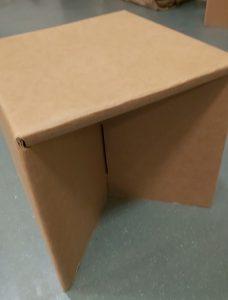 段ボール椅子